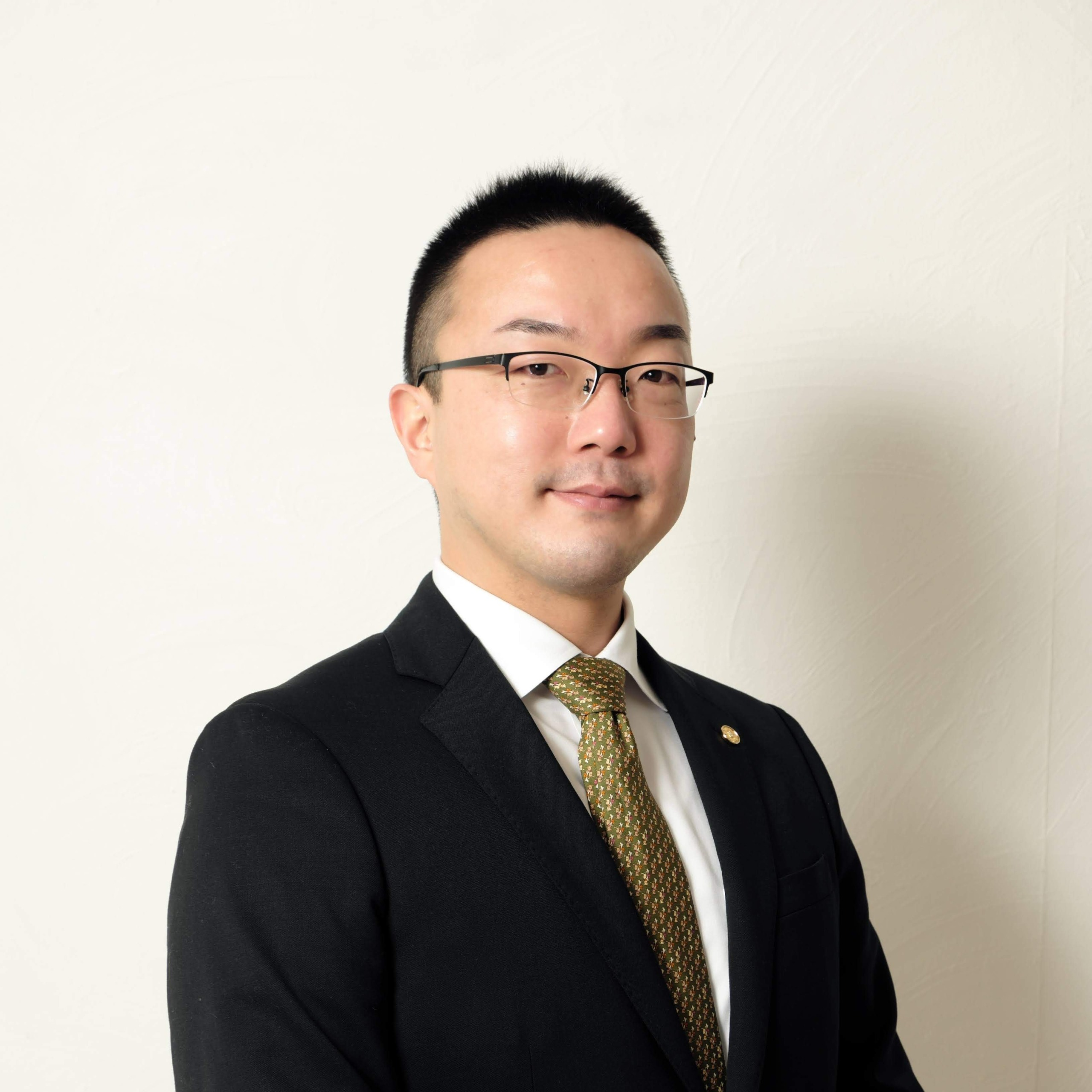 行政書士 山田涼太